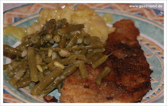 schnitzel-kartoffelsalat-bohnensalat
