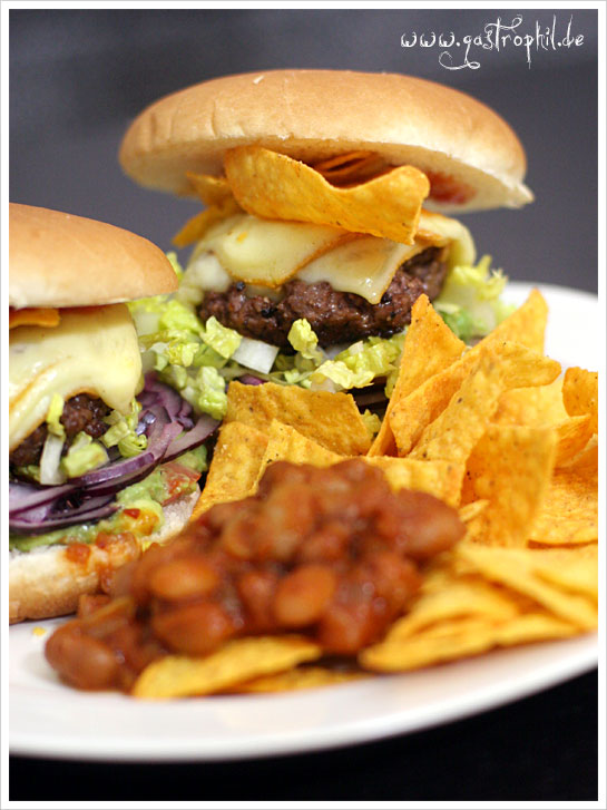 mexican-avocado-tortillachips-burger-1