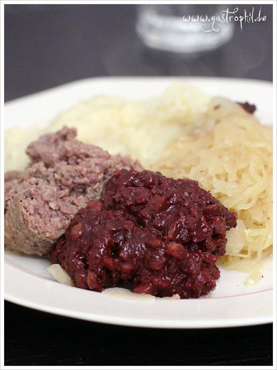 sauerkraut-blutwurst-leberwurst