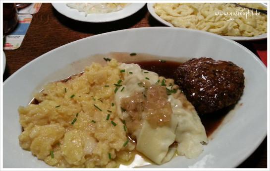 Kartoffelsalat, Maultaschen und Fleischküchle im Klösterle
