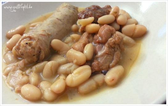 Cassoulet au canard - französischer Bohneneintopf mit Würsten und Entenfleisch. Sehr geil!