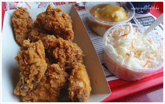 KFC Mastersciencebestellungsplatte mit Wings, Brei und Slaw (den ich echt mal scheiße finde)