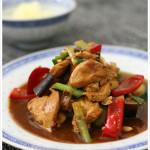 chinesisch-huhn-aubergine-paprika