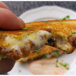 grilled-chili-cheese-moneyshot