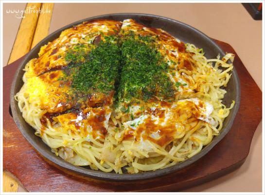 Okonomiyaki (nach Hiroshima-Art)